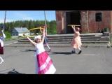 Танец Хула-Хуп на День защиты детей.