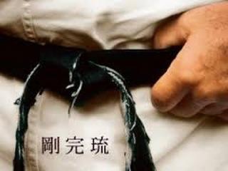Брюс Ли, Чак Норрис, Стивен Сигал... Непревзойдённые мастера боевых искусств.Странное дело
