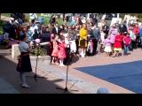 9 мая 2015 года г. Павловск. Праздничный концерт посвященный 70-летию Победы. София поет песню