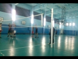 игра в волейбол)))