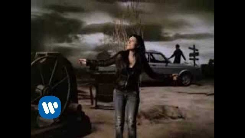 Laura Pausini (duet with Tiziano Ferro) - Non me lo so spiegare (Official Video)