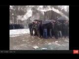 300 спартанцев  В Запорожье окруженный антимайдан 13 04 2014