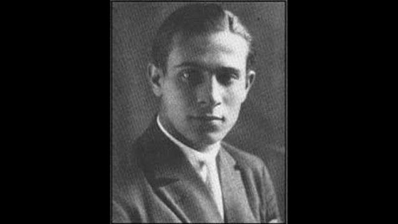 Tino Rossi Besame Mucho 1945