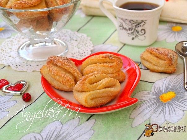 Творожное печенье Вкусное и простое творожное печенье можно испечь быстро к чаю. Это печенье входит в число моих любимых. Для его приготовления нужно всего четыре ингредиента.