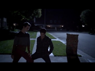 Dylan o'brien дилан о'брайен волчонок бегущий в лабиринте танец sex