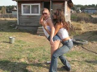 Секс с зрелой в деревне