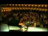 Blind Pianist - Nobuyuki Tsujii playing La Campanella - Liszt