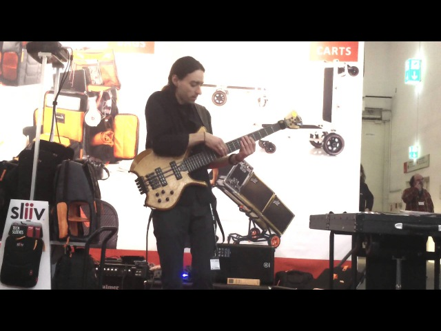 The Chicken, incredible bass version by Alex Lofoco, Musikmesse 2013