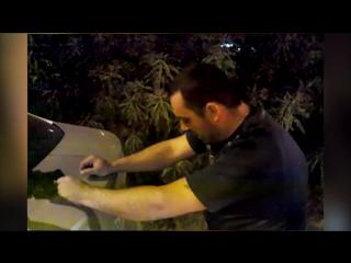 В Волгограде виновник ДТП под наркотиками пел песни и танцевал у авто