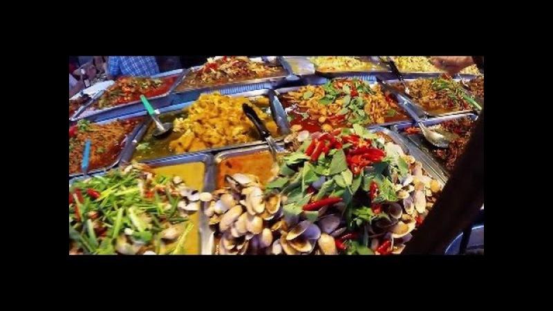 Yummy Thai Street Food at Thepprasit Night Market in Pattaya Thailand