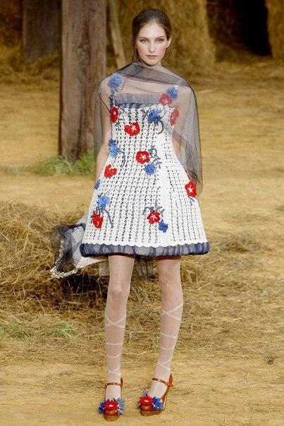 Шикарное белое платье для девочки (9 фото) - картинка
