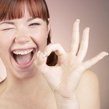 10 заповедей хорошего настроения! 😀 Улыбайся! Улыбка поднимает настроение и делает тебя ещё привлекательней. Знай, что когда ты улыбаешься происходит выработка гормонов счастья! 😀 Давай людям больше, чем они ожидают и делай это с радостью! 😀 Улыбайся, когда отвечаешь на телефонный звонок. Улыбку можно услышать! :) 😀 При невзгодах настоящего можно утешаться мыслью, что были времена и более тяжкие, да и те прошли...Поэтому улыбнись и иди вперёд! 😀 Всегда есть повод, чтобы улыбнуться! 😀 Улыбка…