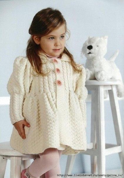 Пальто, куртки вязаные Вязание для детей спицами и крючком. вязанные вещи д