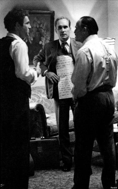Марлон Брандо и его текст на съёмках «Крёстного отца»