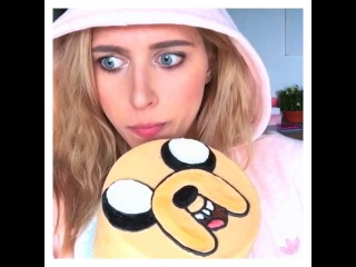 "Kate Clapp on Instagram: ""Это же Jake The Торт! 😳🍰💛 РЕБЯТА!!! Время приключений! Конкурс!!! 🎊🎉🎈 «Я тебя люблю» от @magnoliabakerymoscow! Правила: •Выложи в…"""