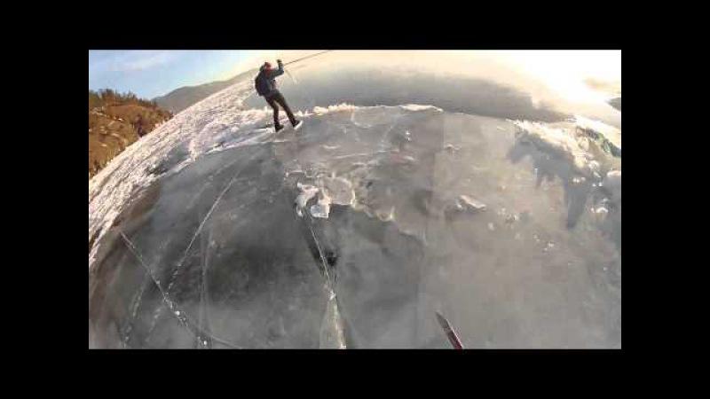 Лыжник провалился под лёд на Байкале