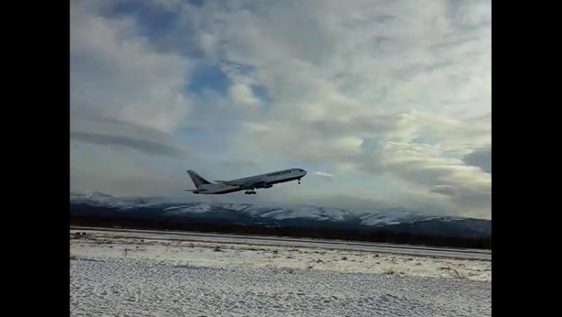 Крайний рейс UN-160 Магадан-Москва 26.10.2015 Трансаэро Boeing 767-300ER EI-CXZ