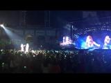 Taylor Swift and Wiz Khalifa Perform