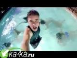 justin_bieber_feat._nicki_minaj_-_beauty_and_a_beat