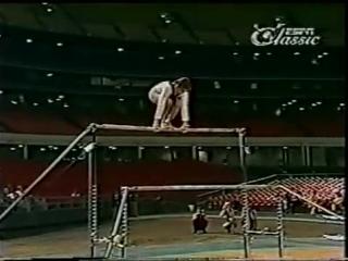 Петля Корбут - запрещенный элемент в гимнастике. Ольга Корбут - СССР. Олимпиада