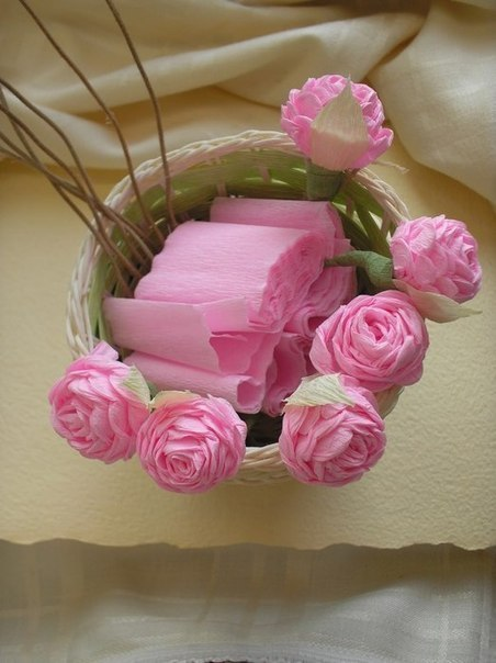 ROSES FROM THE CREPE PAPER