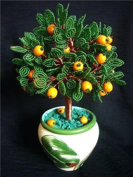 Апельсиновое дерево из бисера.