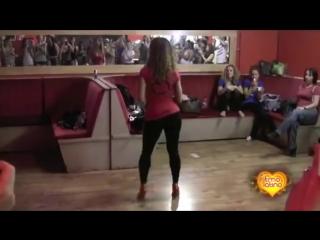 Красиво танцует Бачата