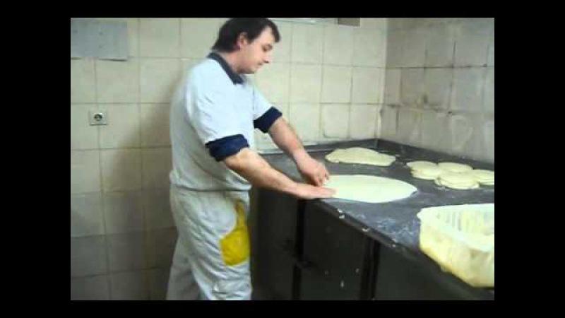 Как готовят тесто для бурека