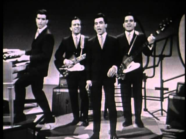 The Four Season Frankie Valli hits live Sherry, Rag doll, Walk