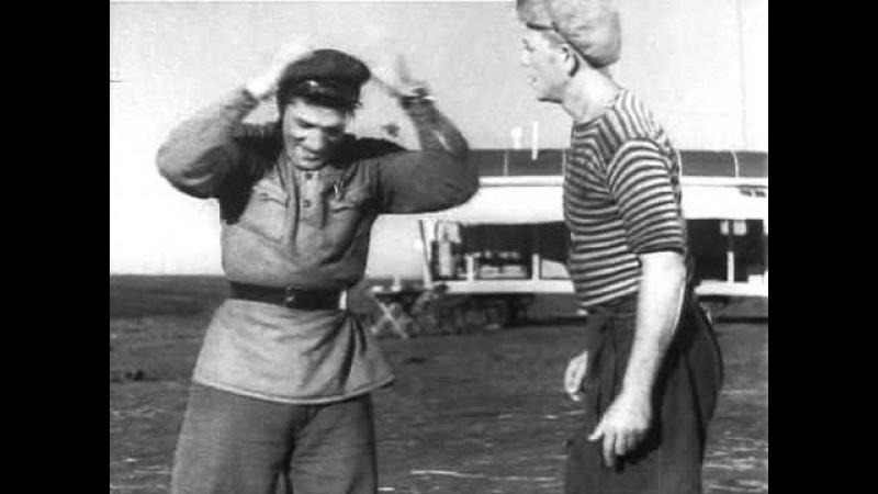 Пётр Алейников в фильме Трактористы (1939) (Савка)