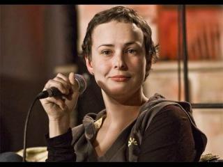 Юлия Чичерина спела для жителей Луганска «Мой рок н ролл»