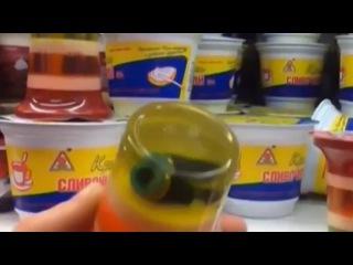 Новости - В питерском магазине обнаружен десерт с неизвестным предметом