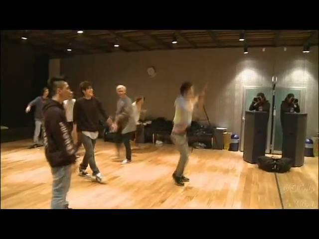 [Bigbang GD] G-dragons acrobatic dorky moves