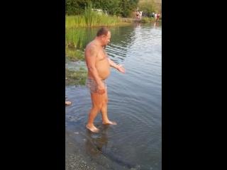 Вода мутная и хрень !!!))))смотрите все...
