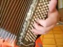 Уроки игры на аккордеоне с Ананта Нитаем часть 2