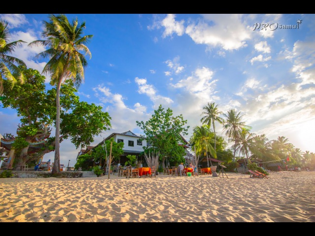 Видео-обзор центральной части пляжа Маенам. Часть первая