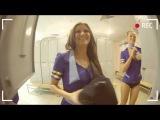 Стюардессы в раздевалке переодеваються скрытая камера