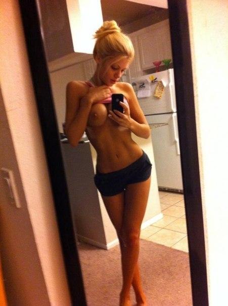 Блондинка поза на всякой порно фото разная