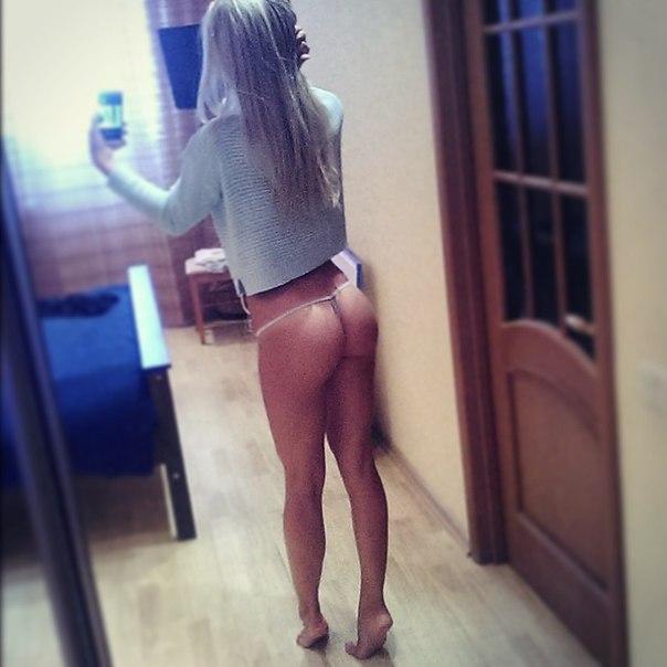 красивые ножки блондинки