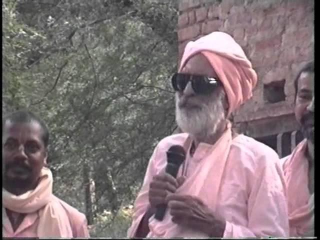 19981025 Vrindavan Parikrama Varsana Dan Gati Radharani Sold To Brahmana Varsana with ISKCON Ucchag