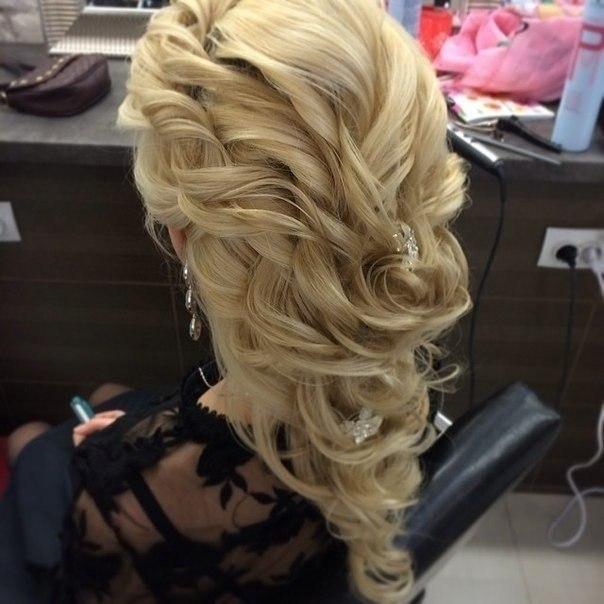 Причёски на свадьбу и выпускной updated the
