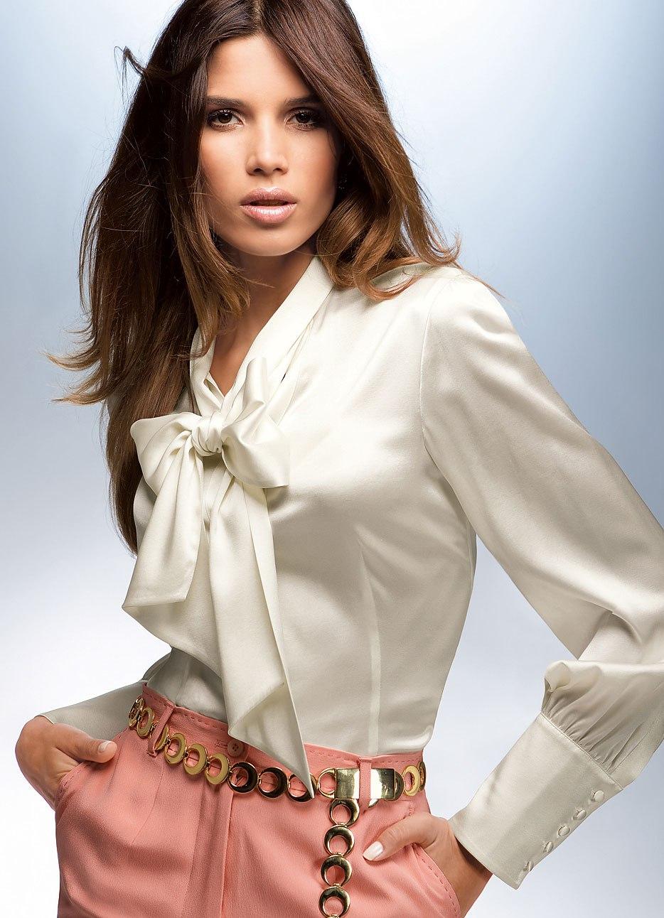 Учительница в белой блузки 15 фотография
