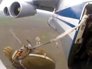 прыжок с самолета ИЛ 76  сила!!!!