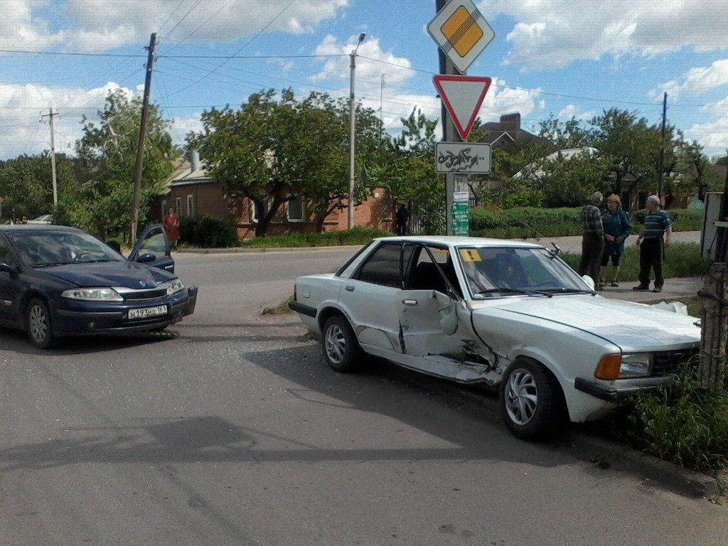 В Таганроге на перекрестке 2-ой Советской/Ватутина снова произошло ДТП
