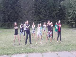 Сказка, 6 отряд Миньоны, 3 смена 2015, Зеленая поляна