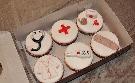 Что подарить медсестре на день медика