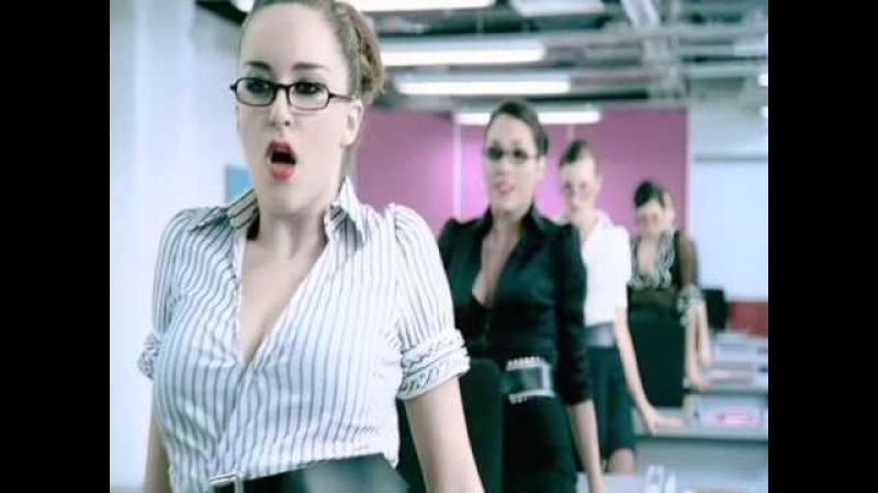 Лесбиянки красивые , женщины танцуют красиво .