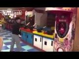LiveLeak - Ninja kicks