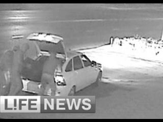 Грабители увезли сейф с 14 миллионами рублей в открытом багажнике авто