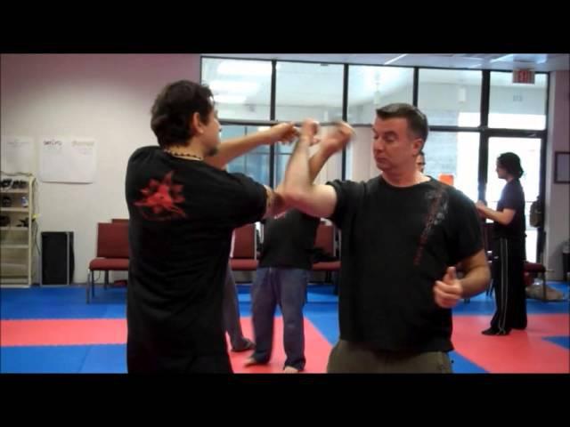 Kramabit Scarf Hand Manipulation - The Kali Way